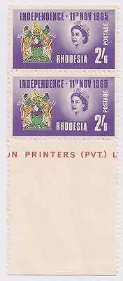 1965 Rhodesia - Independence - Block 2 x 2'6 Shilling Stamps & Tab