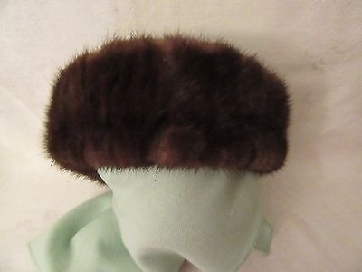 Fur (Mink ?)  Vintage Tam Beret Hat with accent band bow