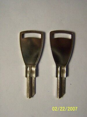 2 Cessna Airplane Aircraft Key Blanks C1054B, Hard To Find