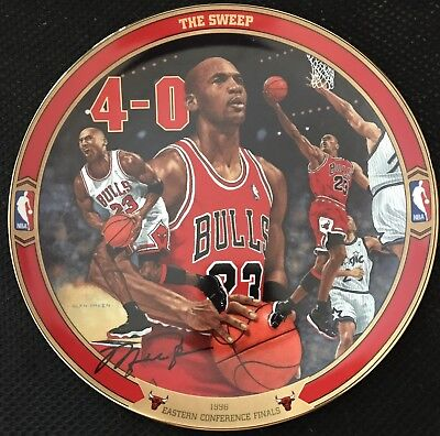 """Michael Jordan Plate """"The Sweep"""" 4th In The """"Return To Greatness"""" Collection"""