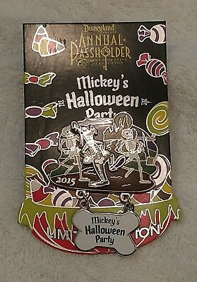 Disneyland Mickey's Halloween Party 2015 Pin - Annual Passholder Goofy LE 2,000