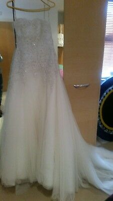 Beautiful wedding dress size 8/10