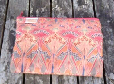 Vintage Sweet Small Red Liberty Lawn London Fabric COIN PURSE