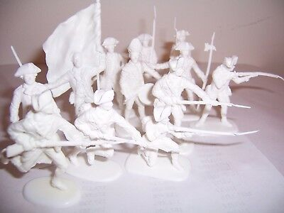 Lot reissue  Accurate Rev War  British Army in white as French, playset figures