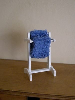 Dollshouse Miniature ~ IVORY ~ Towel Rail