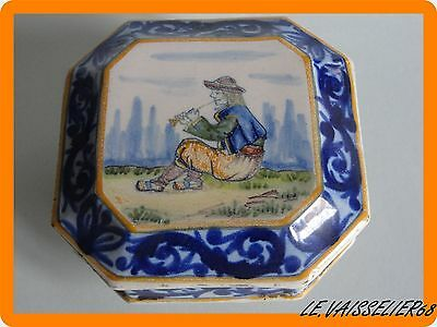 ANTIQUE FRENCH FAIENCE HENRIOT QUIMPER Jewelry box