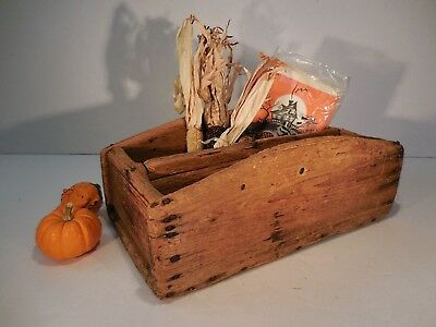 AAFA Early Primitive Southern Pine Tote Box Antique Divided Box