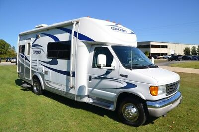 USED Motor Home Class C Camper B Plus RV Coachmen Concord 235 Ford Chassis V-10