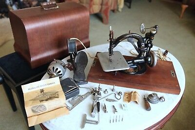 Willcox & Gibbs Antique Sewing Machine w/original case and attachments, NICE!