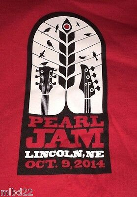 PEARL JAM - Lincoln NE T-SHIRT Size XL - Oct 9 2014 WOW cornhuskers nebraska