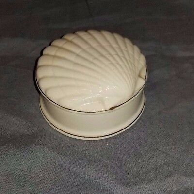 Vintage Fitz & Floyd White shell box with lid; gold trim 1976 MCMLXXVI 2 3/4""