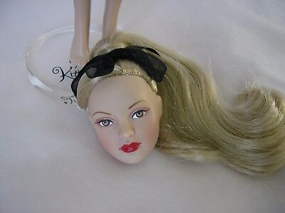 """10"""" Tonner Tiny Kitty PONY TAIL BASIC doll '06 BLONDE Head has separated! +Stand"""