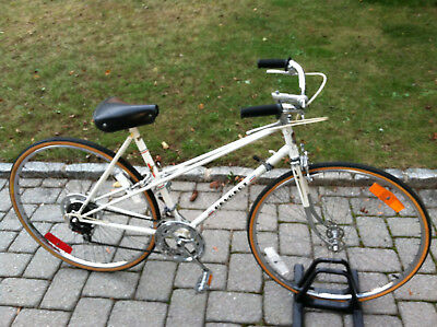 Peugeot vintage racing bike mans road touring womans white bicycle mixte France