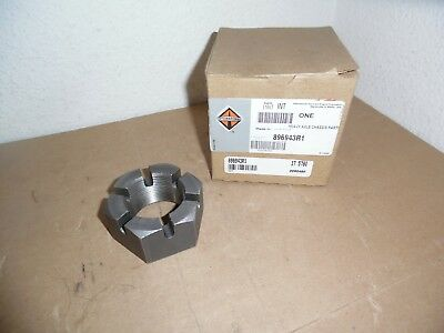International  HEAVY DUTY AXLE NUT 896943R1  Front Wheel Bearing Nut *New