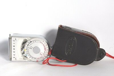 Sekonic L8 Light Meter + Case Good Working Condition (Used)