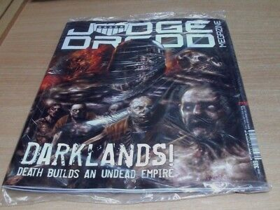 2000AD Judge Dredd megazine #38914th NOV 2017 Darklands