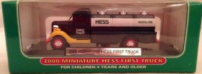 """2000 Miniature First Hess Truck  Mint in Mint Box """"Selling them at cost in 2000"""""""
