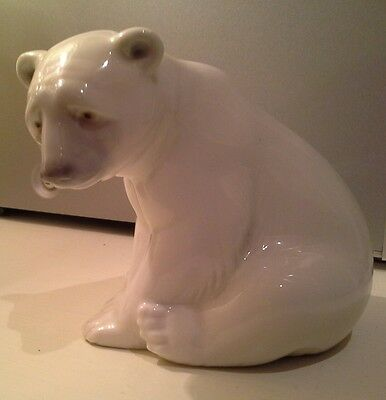 Lladro Spanish Porcelain Polar Bear Sitting Excellent Condition