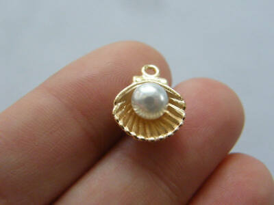 6 Pearl in oyster shell charms gold plated tone GC292