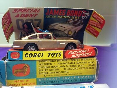 James Bond Corgi 261 Aston Martin DB5 Gold