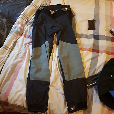 palm dry trousers