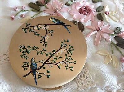 BEAUTIFUL VINTAGE 1950's LADIES STRATTON POWDER COMPACT 💞 EXOTIC LOVE BIRDS