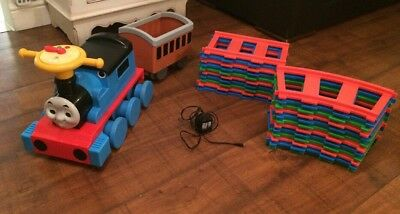 Ride On Electric Thomas The Tank Engine & Carriage, 22 Piece Track & Charger
