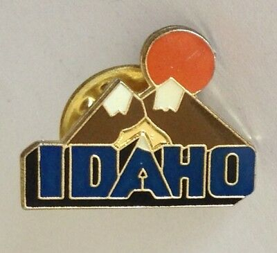 Idaho Mountain Range Souvenir Pin Badge Vintage (N21)
