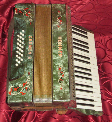 Vintage Hohner Carmen II - 24 bass accordion Made in Germany