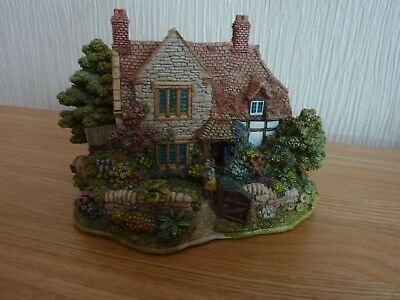 Lilliput Lane  THE HIDEAWAY L2172. RARE PIECE  issued 1998 retired 2000