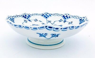 Bowl on foot #511 - Blue Fluted - Royal Copenhagen - Half Lace - 1:st Quality