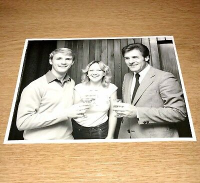 SALE JOHN LYALL & PAUL GODDARD WEST HAM UNITED OFFICIAL PRESS PHOTOGRAPH 8x6