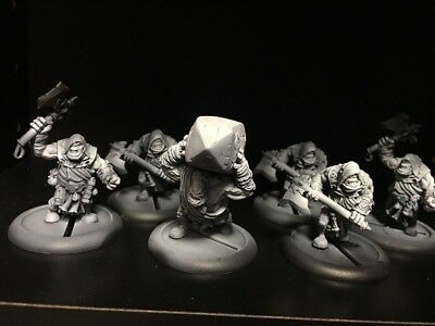 Krielstone Bearer & Stone Scribes (6) - Trollbloods - Hordes - Privateer Press