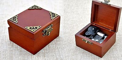 ♫ GAME OF THRONES ♫   Vintage Classic Square Wind Up  Music Box