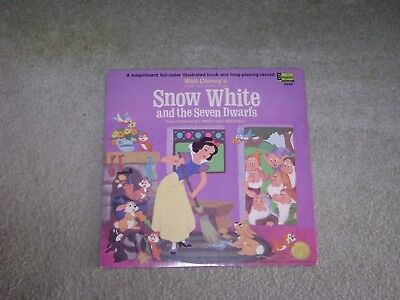 Vintage 1969 Disney's Snow White And The 7 Dwarfs Story Book & LP Record N.MINT
