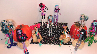 10 Monster High Dolls Mattel Two Headed  Sea Mad Scientist Black Cats