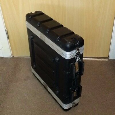 2U 19'' rack case in very good used condition