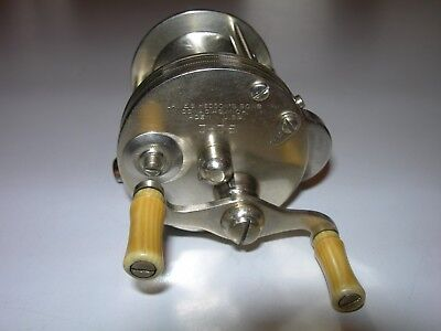 James Heddon's Sons 3-35 Dowagiac, Mich. Made in U.S.A. Incredible Reel!