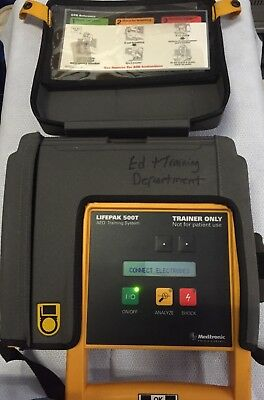 MEDTRONIC Lifepak 500T AED TRAINING SYSTEM DEFIBRILLATOR TRAINER with battery