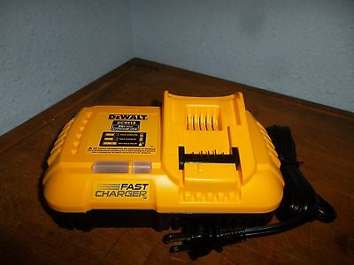 DEWALT FlexVolt DCB118 20v / 60v Lithium Ion Fan Cooled 8 Amp Battery Charger
