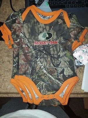 NWT Mossy Oak Boys One Piece Infant Creeper body suit Camo and Orange 6-9 Months