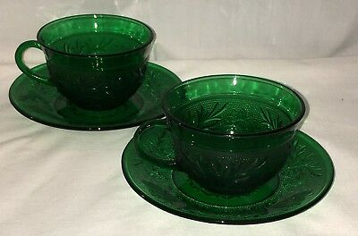 2 Anchor Hocking *SANDWICH GREEN* CUPS & SAUCERS*