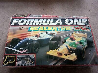 Scalextric Formula One Box Set. 4 cars. 2 contollers. Track