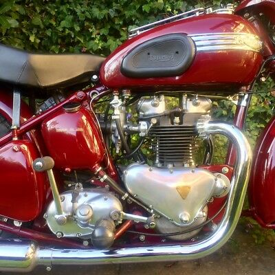 Triumph Speed Twin 1952 in stunning restored condition.