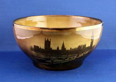 A Beautiful 1891 Ridgway Bowl Featuring Scenes From London