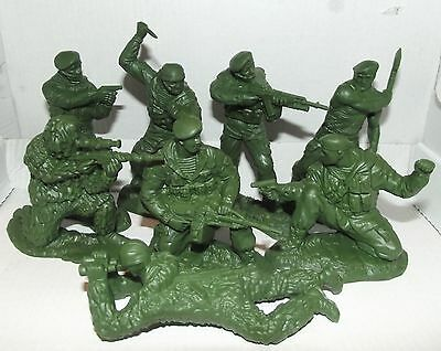 Russian toy soldiers. Russian paratoopers. Spetsnaz. About 1/18 scale