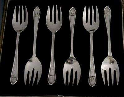 Cased Bow & Arrow Crested Sterling Silver Oyster Forks 1909-12 English Antiques