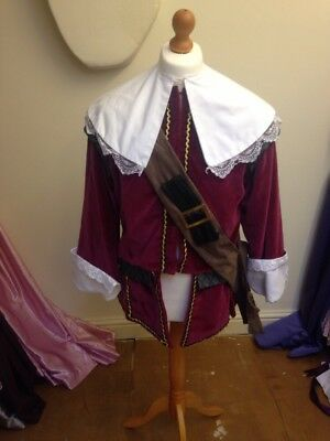 Ex-Hire Red Medieval Tudor Style Men's Costume Guy Fawkes