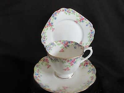 Royal Albert Floral Trio/royal Albert Crown China Floral Trio