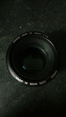 Canon Ef 50mm f/1.4 usm free Lens Hood included